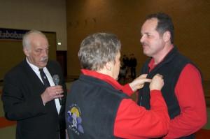 foto behorende bij  Henk Nieuwenhuis 15 jaar bestuurslid Judo Borger